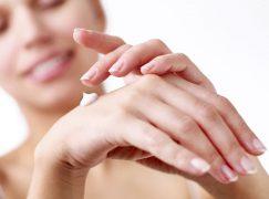 Η καλύτερη κρέμα χεριών για να προστατέψετε τα χέρια σας από το κρύο