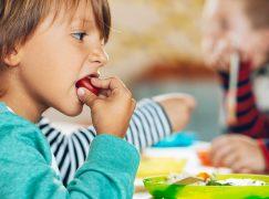 Μανούλες, αυτό το τάπερ και το παγουρίνο είναι ό,τι χρειάζεται το παιδί σας στο σχολείο