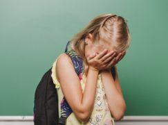 Το παιδί μου κλαίει όταν το αφήνω στο σχολείο. Τι να κάνω;