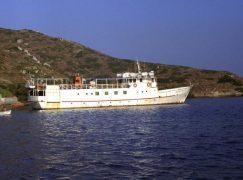 Ο Σκοπελίτης, το ιστορικό πλοίο των Κυκλάδων δένει για πάντα…
