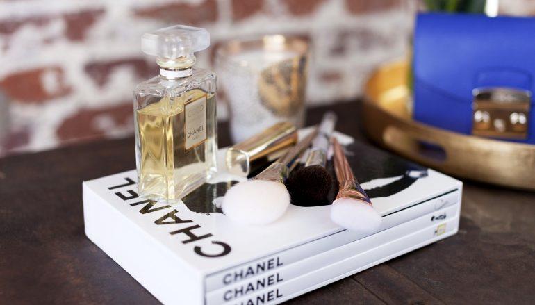 Πώς θα καθαρίσετε σωστά τα πινέλα μακιγιάζ
