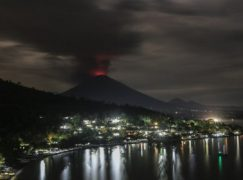 Εντυπωσιακές φωτογραφίες λίγο πριν τη μεγάλη έκρηξη του ηφαιστείου στο Μπαλί