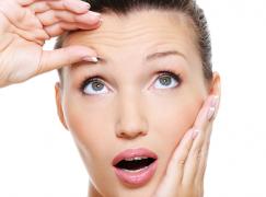 Tips να απαλλαγείτε φυσικά από τις ρυτίδες στο μέτωπο