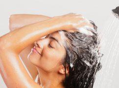 Πόσο συχνά πρέπει να πλένετε τα μαλλιά σας