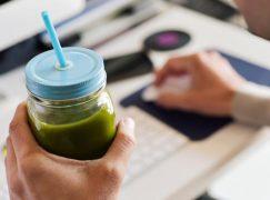 Τα top αποτοξινωτικά προϊόντα και συμπληρώματα για να αποβάλετε τις τοξίνες από τον οργανισμό σας