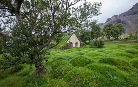 Το παραμυθένιο χωριό της Ισλανδίας και η ιδιαίτερη αρχιτεκτονική του!