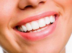 Μάθετε τον τρόπο να αποκτήσετε πιο λευκά δόντια στο σπίτι!