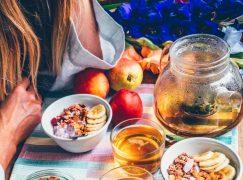 Γρήγορες και φυσικές λύσεις για να σταματήσετε τον επίμονο βήχα