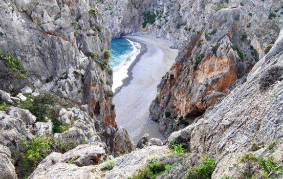 Μικρές παραλίες πραγματικά διαμάντια στη Μεσόγειο!