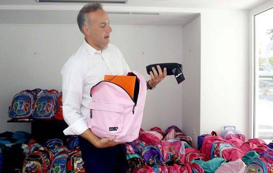 Γεμίζουμε και φέτος τις άδειες σχολικές τσάντες στη Γλυφάδα!