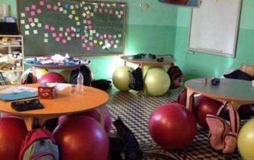 Το πρώτο δημόσιο σχολείο που πέταξε τις καρέκλες των μαθητών