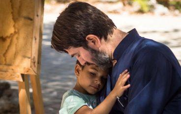 O πατέρας Αντώνιος κέρδισε το βραβείο του Kαλύτερου Ευρωπαίου Πολίτη