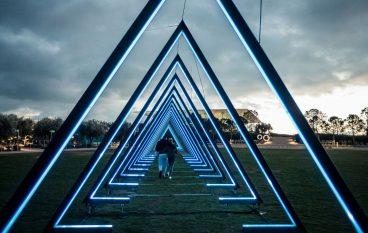 Δείτε το φωταγωγημένο Κέντρο Πολιτισμού Ίδρυμα Σταύρος Νιάρχος