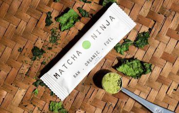 Matcha Ninja: Τι είναι το matcha τσάι και γιατί όλοι συζητούν γι΄ αυτό το πράσινο food trend;