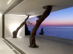 Αυτό είναι μόνο το ηλιοβασίλεμα από μια πρωτοποριακή κατοικία στην Κέρκυρα