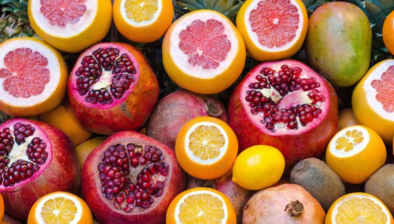 Τροφές και βιταμίνες για να θωρακίσετε τον οργανισμό σας απέναντι στους ιους